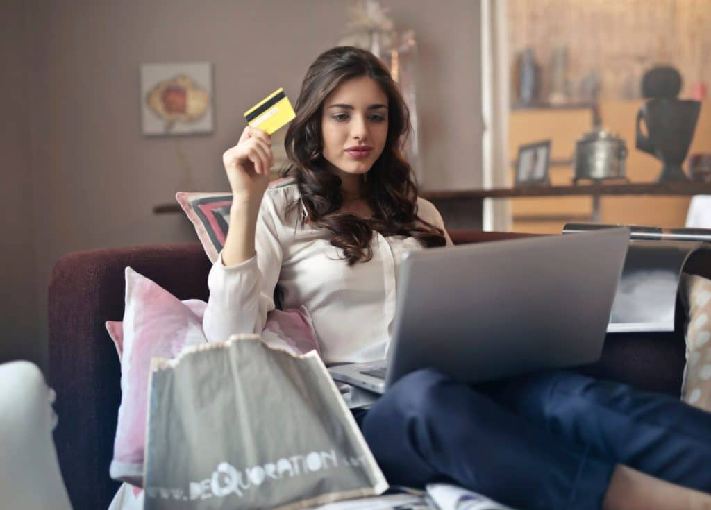 e-commerce student's life